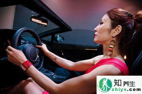 女性开车有哪些需要注意的事项?